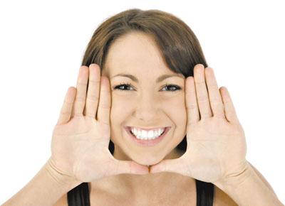 Белоснежная улыбка - результат отбеливания зубов